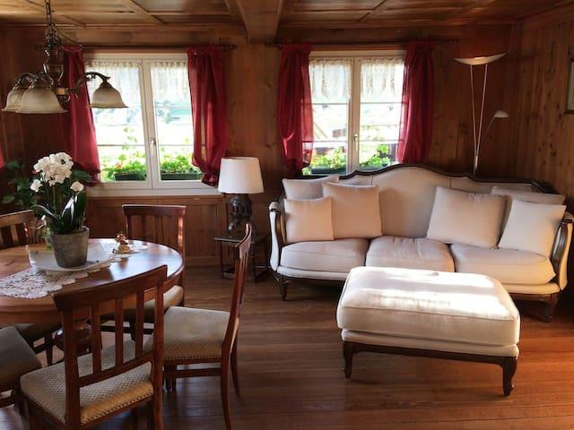 Haus Büelenhof mit nostalgischer Holzfeuerung