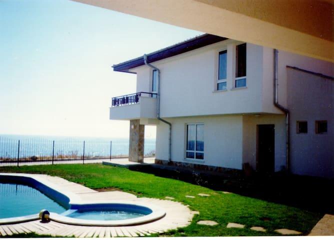 House sea side first line  - Ravda - Villa