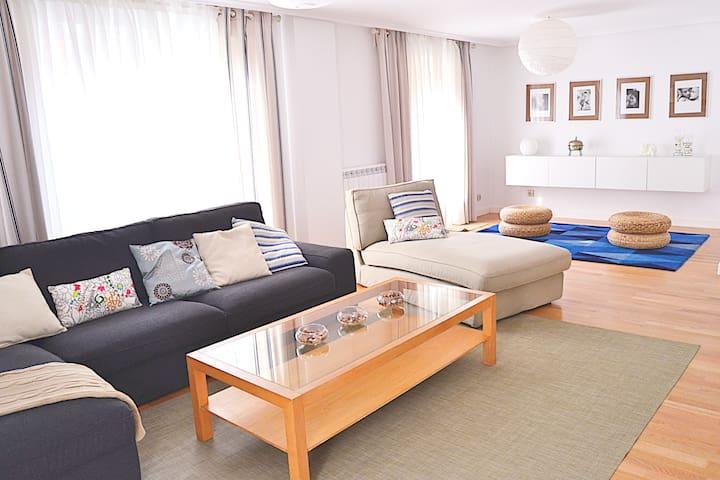 Casa con jardín privado - Logroño - House