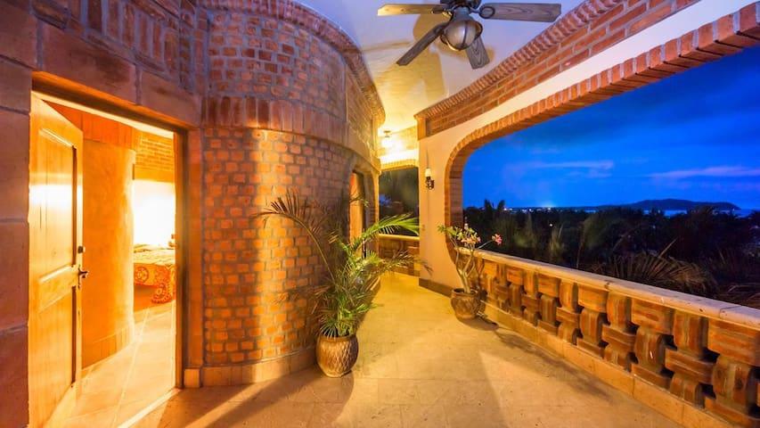 3. GOLFINA SUITE at Casa Tortuga  - Playa Litibu, Higueria Blanca - Rumah
