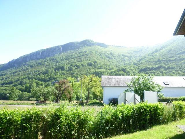 villa pascallou - Campan - Casa