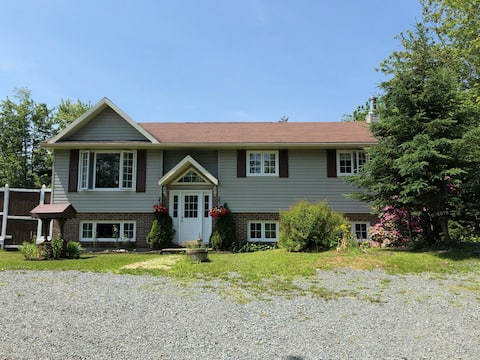 Family Friendly Forest Retreat, Close to Beaches