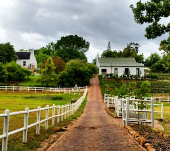 Langkloof Roses Cottages - Wellington - Гестхаус