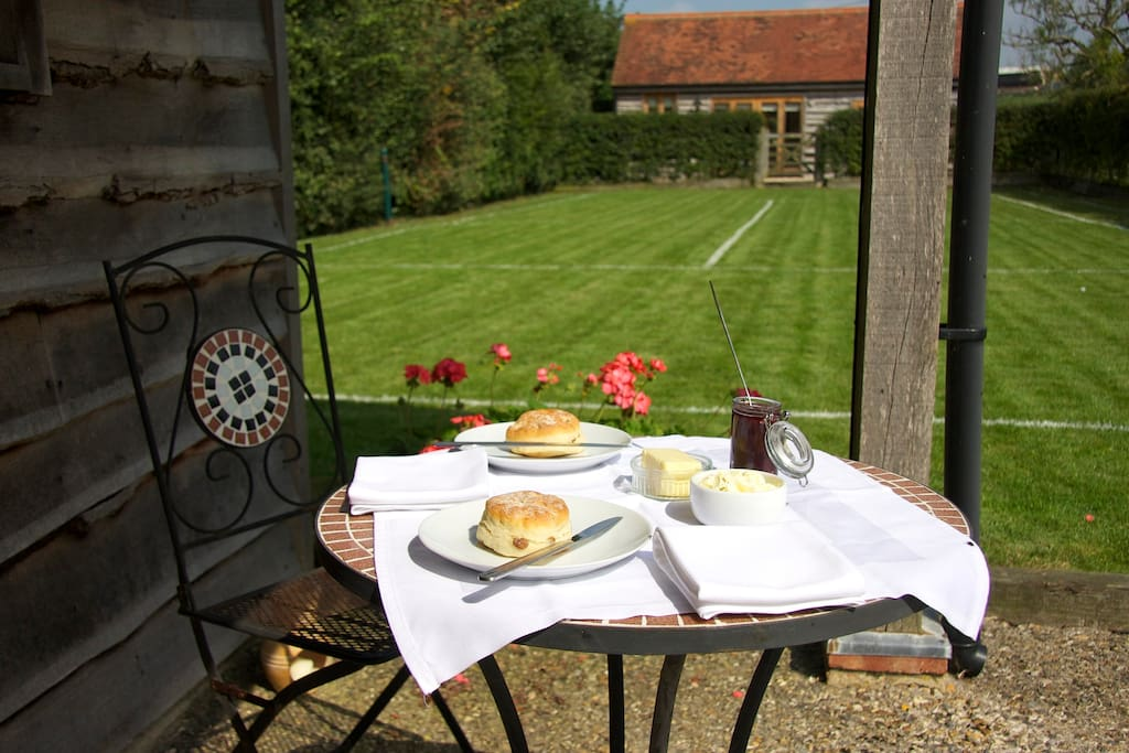 Sunny afternoons and a complimentary cream tea on arrival.