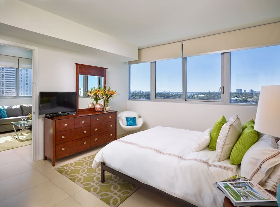 One Bedroom Apt Bay Front With Partial Ocean View Serviced Apartments For Rent In Miami Beach