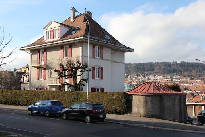 Appartement 2 pièces-Centre-ville - La Chaux-de-Fonds - บ้าน