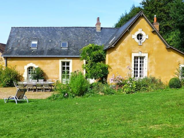 Country House in Malicorne - Malicorne-sur-Sarthe - Huis