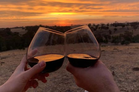 Mia Mia Vistas-3BR Wine Country Escape with Views