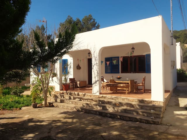 Lovely casita nearby centre - Santa Eulària des Riu - Casa