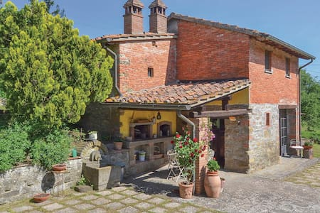 Holiday cottage with 1 bedroom on 45m² in Arezzo -AR-