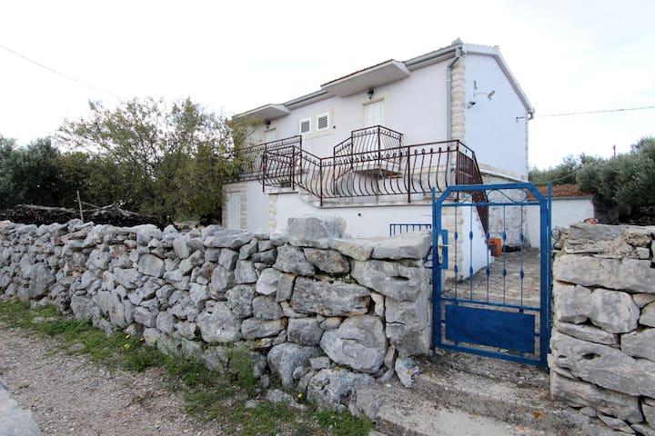Small house  on idyllic island - Drvenik - House