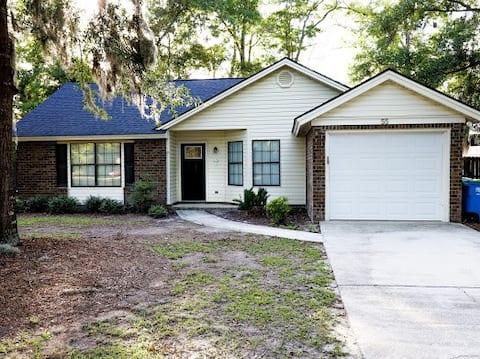 Entire house 2bed/2bath near Savannah