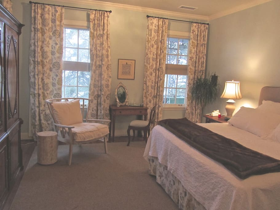 Sumptuosly appointed King suite