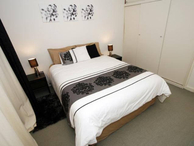 Malibu One Bedroom Apartment - West Perth - Apartment