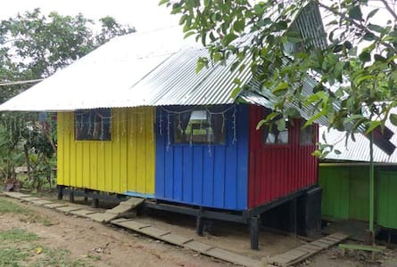 Amazon Jungle Lodge -up to 5 single beds