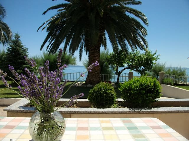 Romantic Beach Getaway for two - Podstrana - Apartament