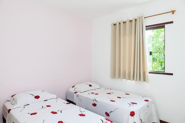 Comfy Twin Ensuite Room - CANOA