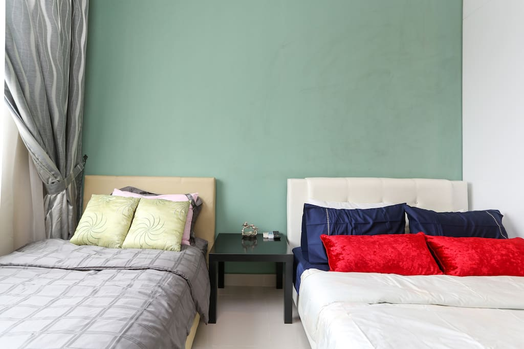 Super single bed and Queen side bed