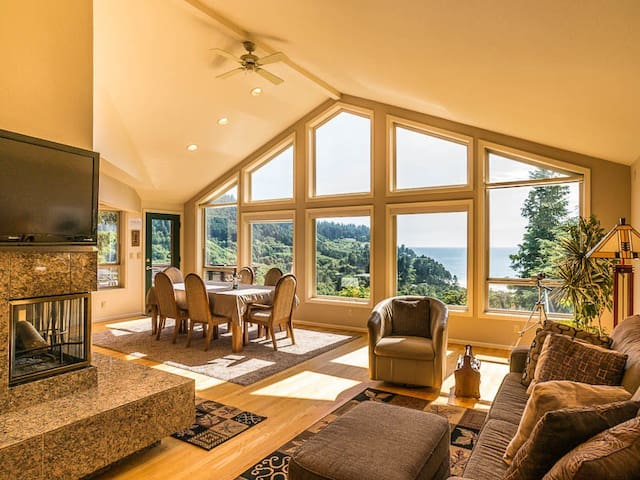 Victorian Suite-Ocean & Forest View (1 of 2 rooms) - Neskowin - Hus