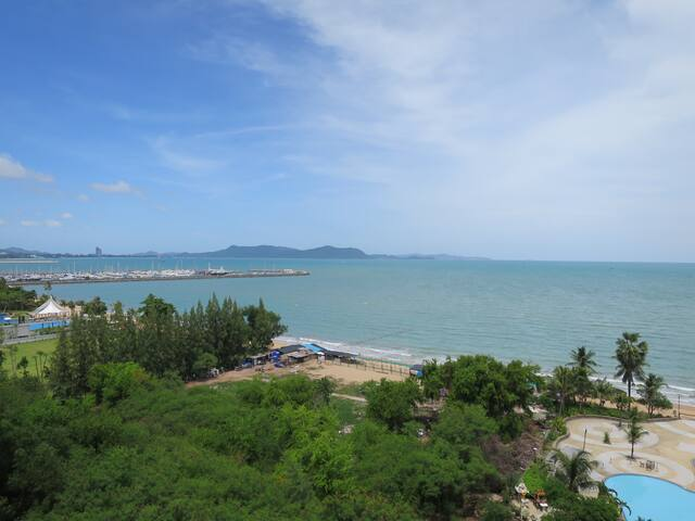 Newly Furnished Studio with Ocean View (56sqm)