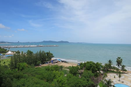Newly Furnished Studio with Ocean View (56sqm) - Appartement
