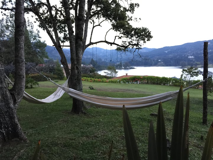 Bambú: Cozy suite with lake view