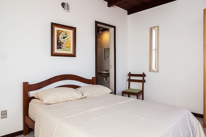 Cozy Double Ensuite Room - CANOA