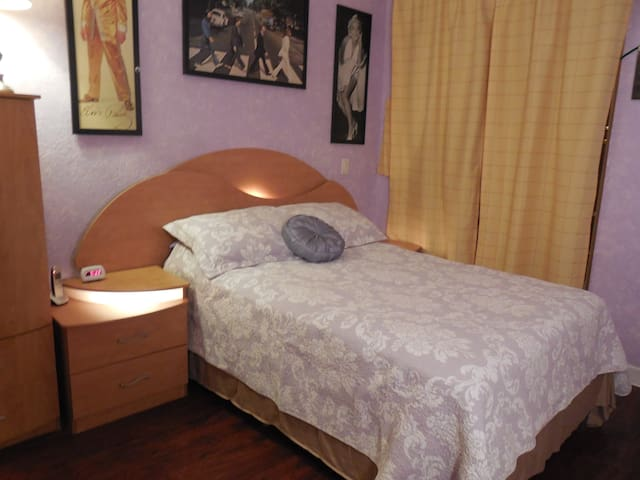 Lavender room for female only - Miramar - Pis