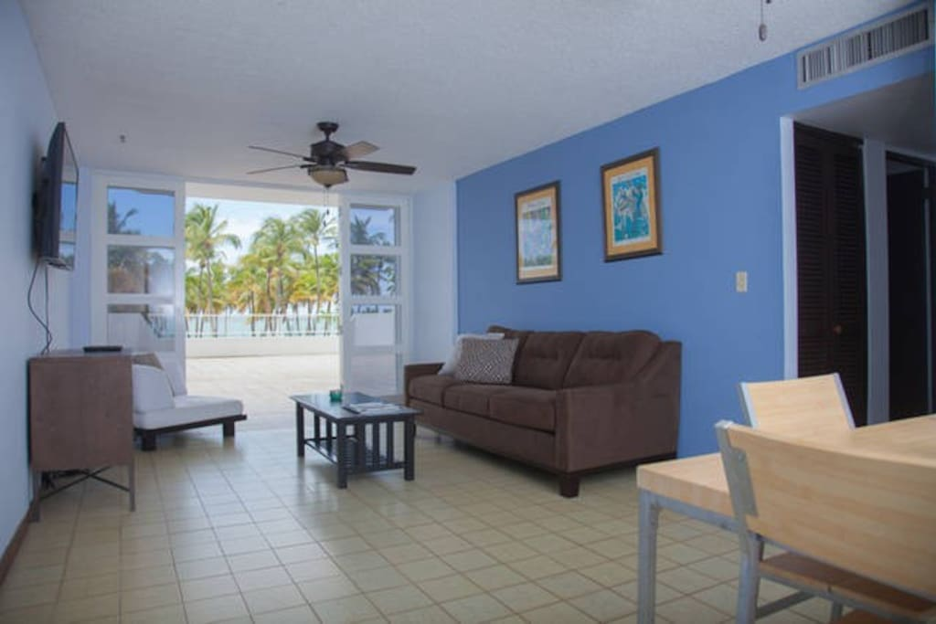 Open breeze living and dining  room with beach front view!
