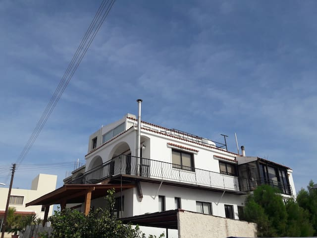 Family House / 4 Bedrooms - Yeroskipou - 一軒家