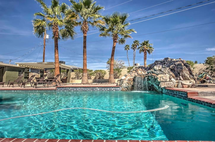 Trendy Home w/ Pool & Sauna, 4 Mi to Lake Havasu!
