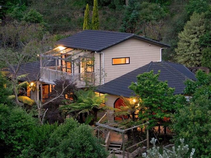 Guest suite, private bathrm&balcony