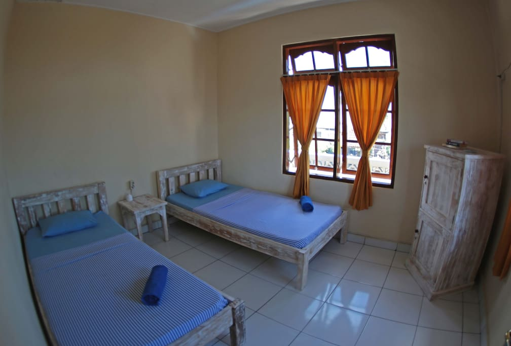 Private twin bed room with sharing shower/tolet