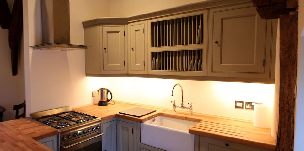 Coxwell Court, Cirencester, The Cotswolds, WiFi - Cirencester - Townhouse
