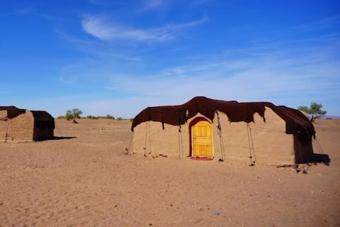 Camp Sahara travel