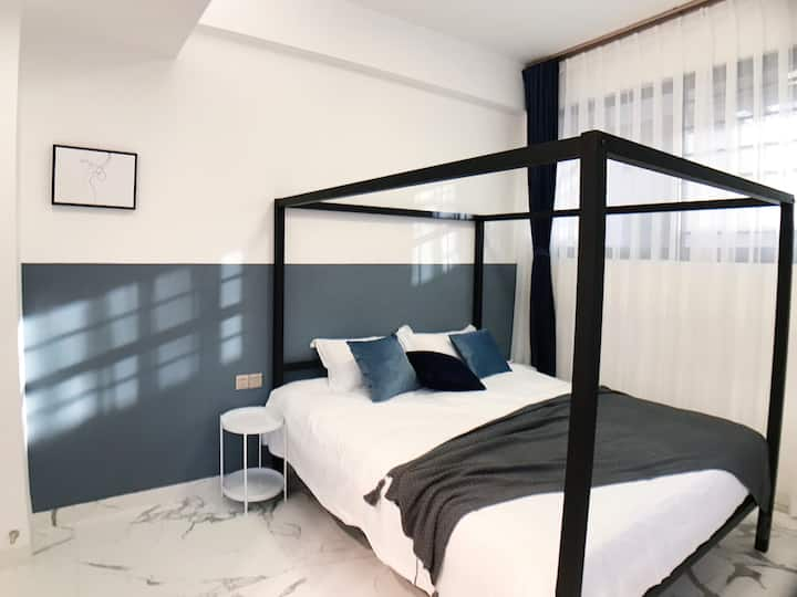 度眠DOMIAN设计师民宿 「302」舒适私人小空间 极简框架纱幔床铺 近沙滩环岛路 安静舒适
