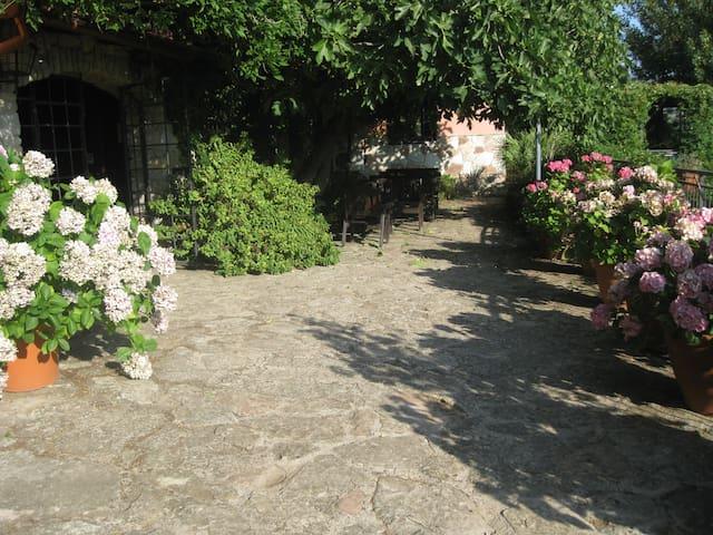 country house Al Poggetto(Sicily) - Santa Cristina Gela. Palermo - Bed & Breakfast