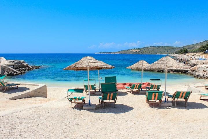Beach rooms & Breakfast in Ksamil