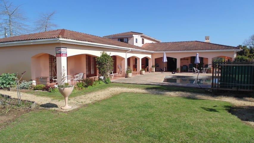 Provencal Lodge 4
