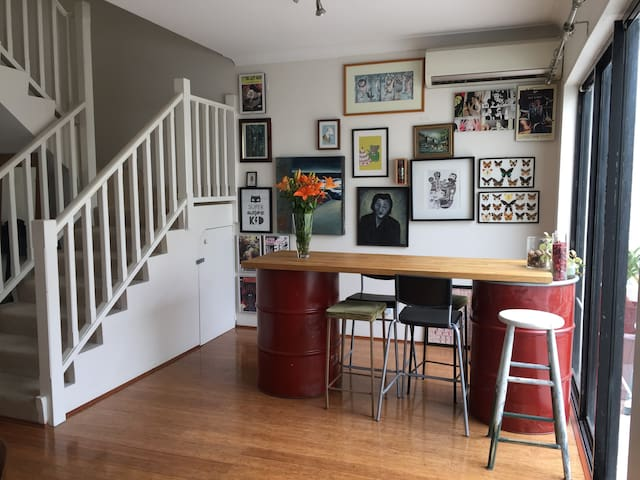Spacious private room in lovely apartment - Redfern - Apartmen