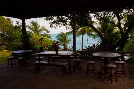 Casa de praia de frente para o mar - Conde