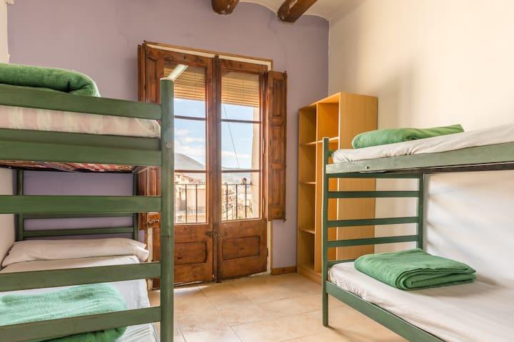 Alberg La Solana - 24 - Quadruple Room (3 - 4 Guests) - Salàs de Pallars - Apartemen