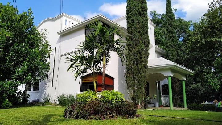 Hotel Posada ''El Encanto'', Tamasopo, SLP, MEX.