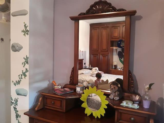 La casa di Marina a Como, camera matrimoniale