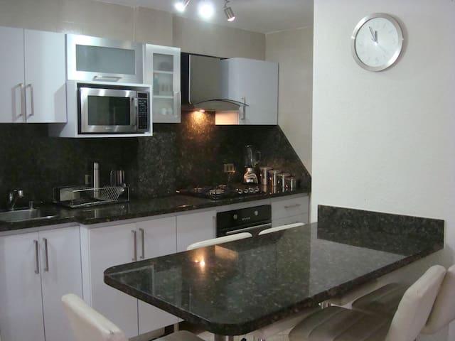 Comodo y acogedor apartamento frente al mar - Caraballeda - Huoneisto