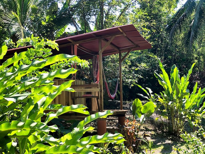 Open Air Cabinas with outdoor shower, 450m Beach