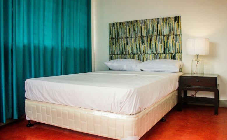 Naps x Adventures Double Room - Cebú - Bed & Breakfast