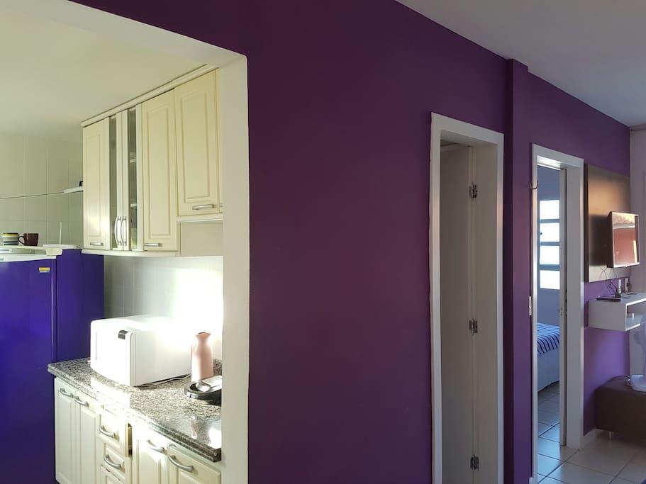 Entrada para cozinha, banheiro e quarto respectivamente
