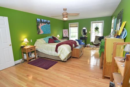 Luxuriate & Rejuvenate Retreat to the Emerald Room - Nashua