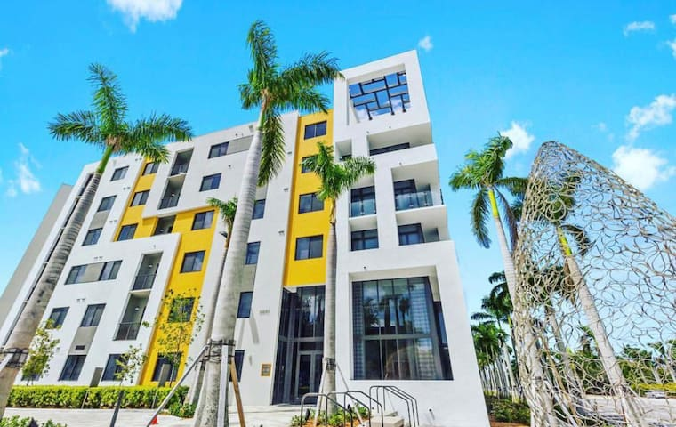 Cozy apartment heart of Doral